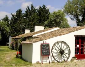 La Bouffonnerie, Le Perrier