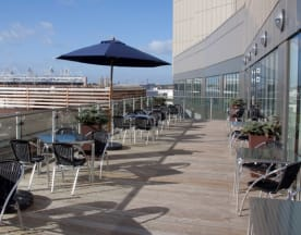 Holiday Inn, Twenty Twelve Restaurant Bar & Terrace, London