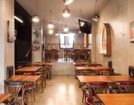 Shatar Pub, Milan