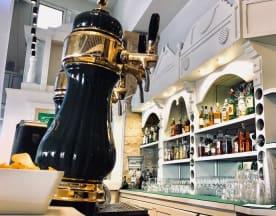 The Pub, Taormina