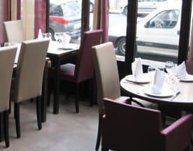 Dar Lyakout, Paris