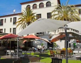 Blanc & Negre ( Hotel El Castell ), Sant Boi De Llobregat