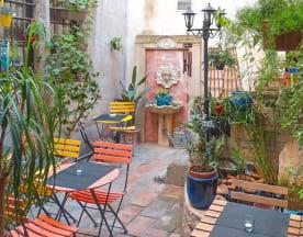 Forêt Noire Café, Nîmes
