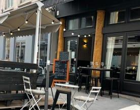 Phenicia, Lyon