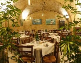 Hemingway Food & Spirits, Vasto