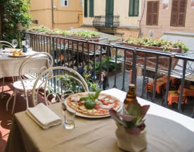 Piccolo Mondo, Lucca