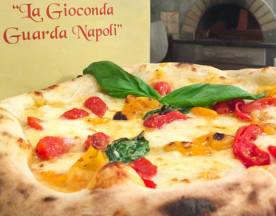 La Gioconda guarda Napoli, Firenze