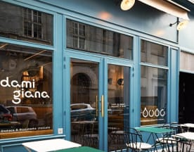 Damigiana, Paris