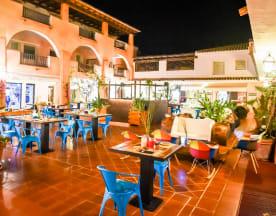 Cuzco Beach Club, Baja Sardinia