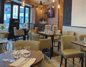 Le Petit Café, Issy-les-Moulineaux