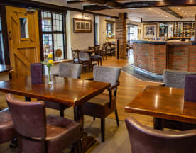 Stirrups Hotel - The Brasserie, Bracknell