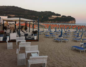 Fish and Beach, Gaeta