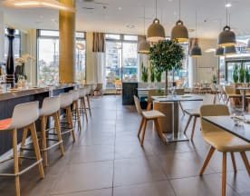 Gourmet Bar Restaurant by Novotel, Saint-Denis
