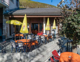 Restaurant - Grill Le Rocher, Corin-de-la-Crête