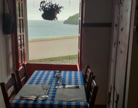 Captain's Table, Angra do Heroísmo