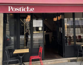 Postiche, Paris