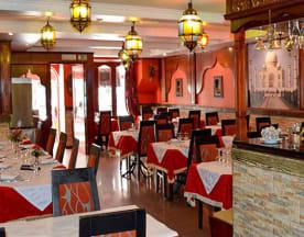 Taj Mahal Restaurante Indiano e Italiano, Cascais