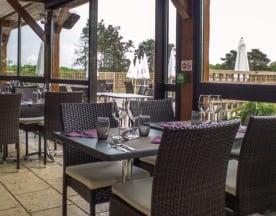 Hôtel Restaurant La Vieille Ferme, Sancé