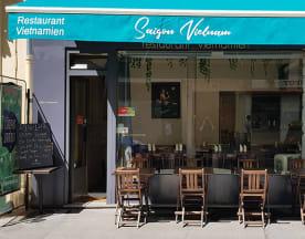 Saigon Vietnam, Paris