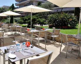 Hôtel Restaurant Les Strelitzias, Antibes