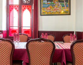 Roi Du Taj Mahal, Arcueil
