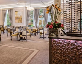Mulberry Restaurant at Oatlands Park Hotel, Weybridge