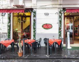 Antico Borgo Ai Vergini, Napoli