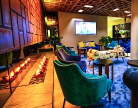Moon Restaurante & Cocktail Lounge, Quarteira