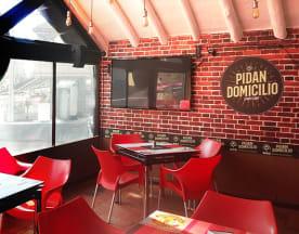 Pidan Domicilio Sports Bar, Bogotá