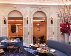 Le V - Hôtel Vernet, Paris