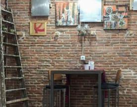 Dog & Fox urban kitchen, Madrid