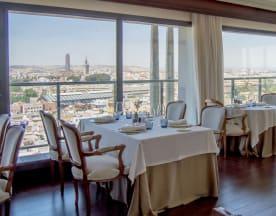 Al-Zagal restaurante panorámico - Hotel Sevilla Center, Sevilla