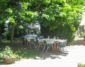 Hostellerie Le Petit Bonneval, Pérignat-lès-Sarliève