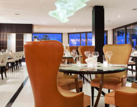 JW Grill Cannes, Cannes