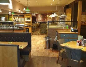 Harvester - Yeoman - Woking Road, West Byfleet