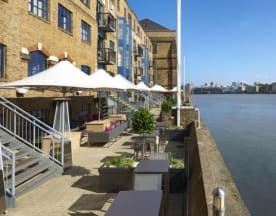 Columbia Restaurant at DoubleTree Docklands, London