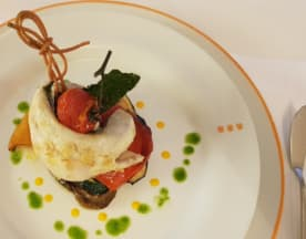 "Versilia Pool Bar & Restaurant by ""UNA cucina"", Camaiore"
