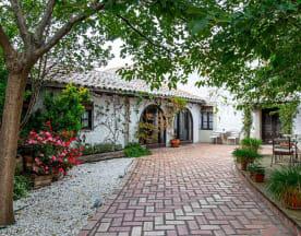 Casa Elena, Cabañas De La Sagra