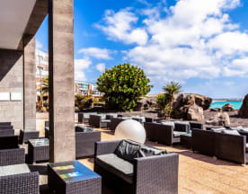 Champs Sports Bar - BarcelóTeguise Beach - Adults only, Costa Teguise