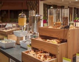 DoubleTree by Hilton Glasgow Westerwood Golf and Spa Resort, Glasgow