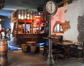 Boucanier Pub, Cinzano