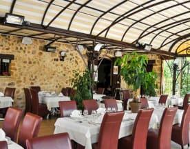 Hotel restaurant Les Pins, Sillans-la-Cascade