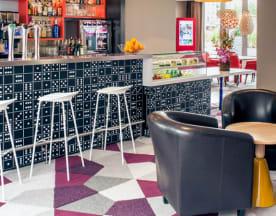 Le Puzzle- Hotel Mercure, Bussy-Saint-Georges