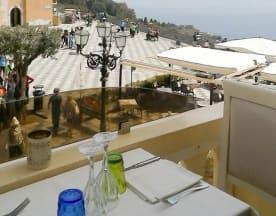 Cinque Archi, Taormina