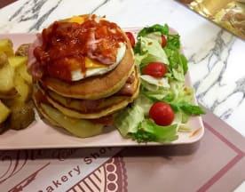 La Divina Bakery soul food and bakery shop, Aversa