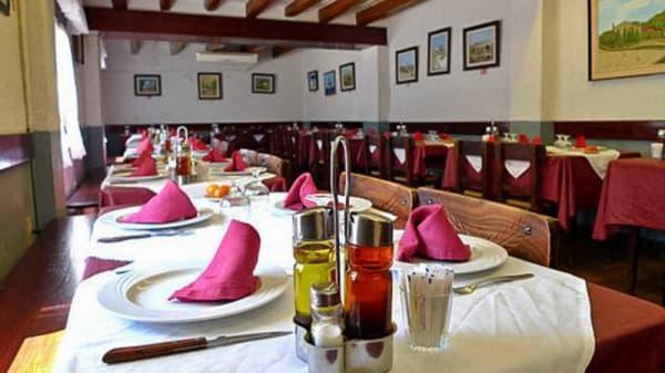Comedor - Restaurant Can Puig, Sant Feliu De Buixalleu