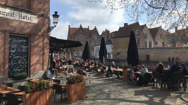 Terras aan de reien - Brasserie Uilenspiegel Brugge, Bruges