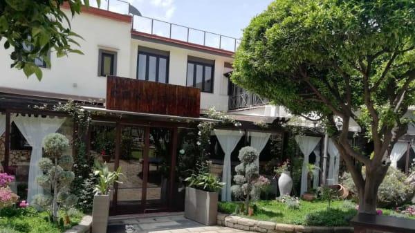 Ingresso ristorante - Tenuta Convivium Cuma, Pozzuoli