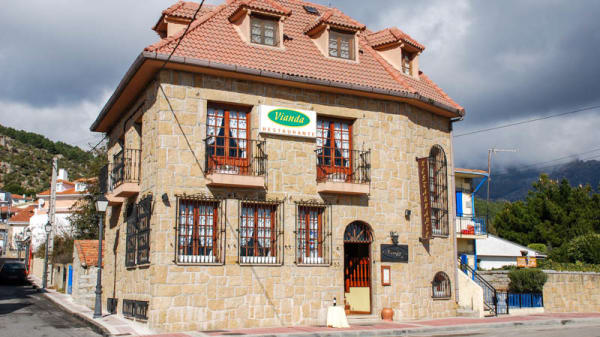 Vista de la fachada - Vianda, Becerril De La Sierra