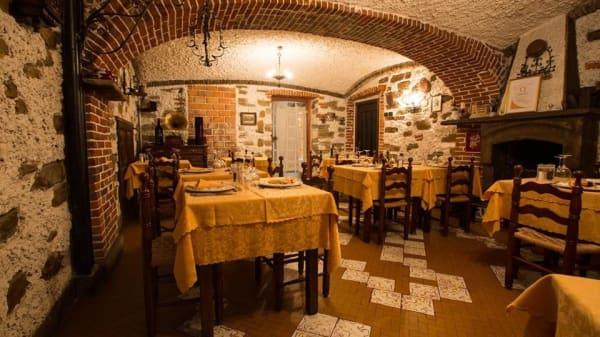 Interno - la Taverna, Lurisia